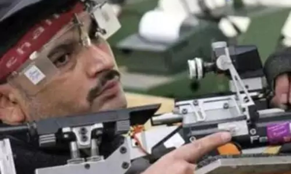 Naresh Sharma with a 25mm Rapid Fire Pistol