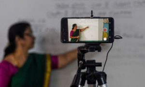 online classes teacher is teaching